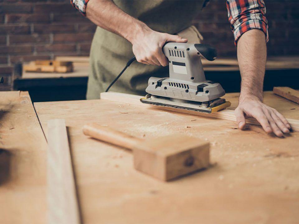 Madera y Mueble. Instalador de Elementos de Carpintería y Mueble
